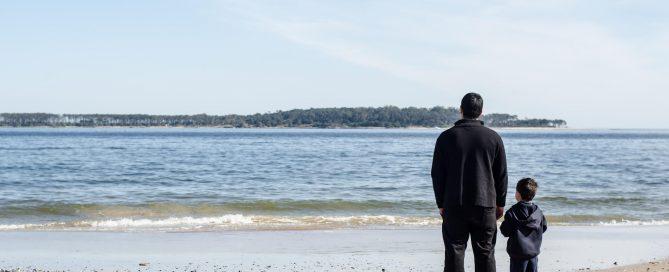 padre e hijo playa