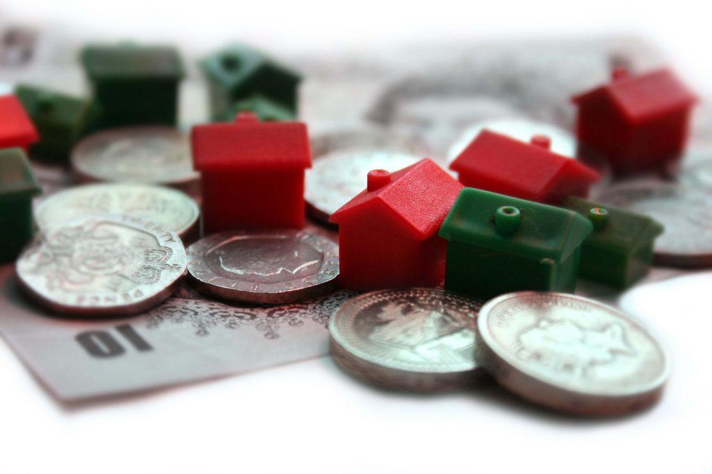 casas y dinero